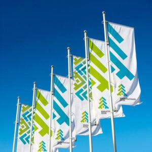 Изготовление фирменных флагов в Сочи